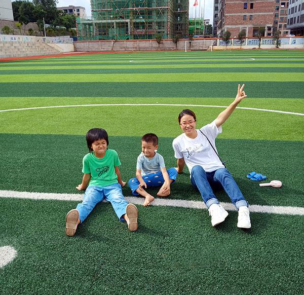 陳小艷跟她的孩子